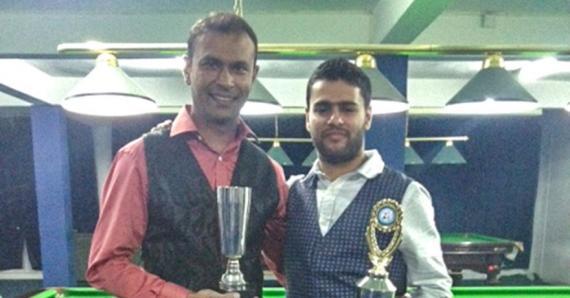 Récent vainqueur du NSC Snooker Open Salman Moosa (à.dr) et Cader Mahomed affrontent maintenant les meilleurs joueurs de la planète.