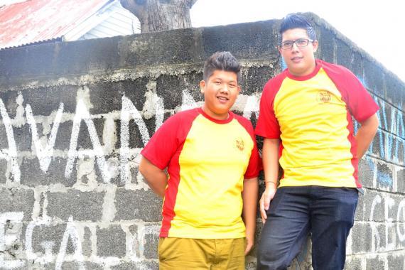 Julien et Bryan du Wuji Cultural Group feront danser, pour la première fois, leur lion à l'occasion de la fête du Printemps.