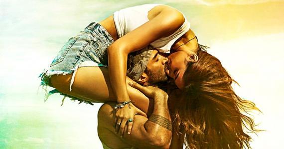 Aditya Roy Kapur et Disha Patani tiennent les rôles principaux alors qu'Anil Kapoor et Kunal Khemmu incarnent des rôles secondaires.
