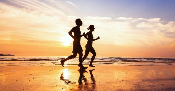 «La base de tout régime est la consommation d'aliments riches en eau et pauvres en calories», souligne la diététicienne Lavanya Sunassy-Pather.