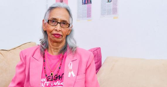 Après avoir vaincu lr cancer du sein, elle s'est mise au service des autres.