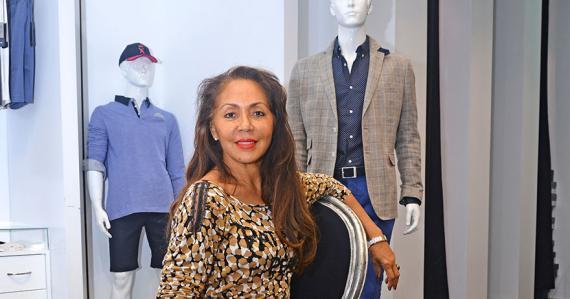 «Les détails d'une tenue masculine sont plus complexes qu'il n'y paraît», dit la directrice de la boutique Monsieur au Caudan.