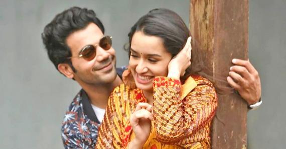 Sunny Deol, Dharmendra et Bobby Deol sont présents dans le premier film, alors que Rajkumar Rao  et Shraddha Kapoor sont au générique du second.