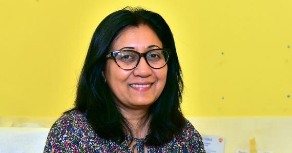 La pédiatre Faeza Soobadar souligne que le dépistage néonatal fait partie de la médecine préventive des nouveau-nés et leur apporte un véritable bénéfice.