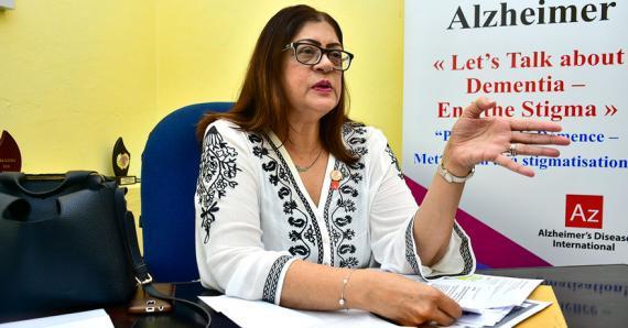 Une sensibilisation à grande échelle changerait la manière de voir la maladie d'Alzheimer, souligne le Dr Ameenah Sorefan.