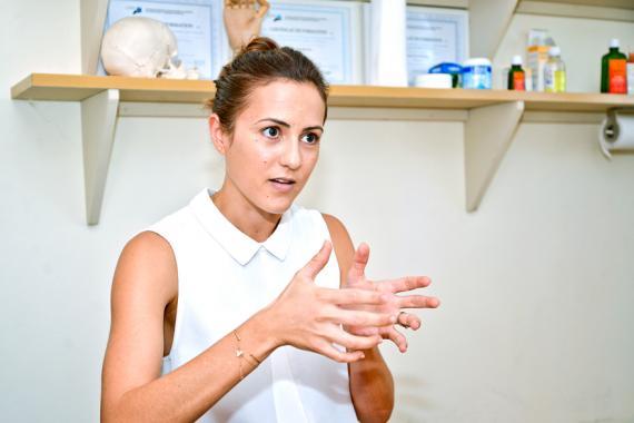 La chiropratique apporte un meilleur confort au bébé et rend la croissance plus harmonieuse, explique la doctoresse.