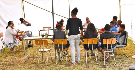 Ils sont plusieurs jeunes à prendre part à un programme de formation entrepreneurial.