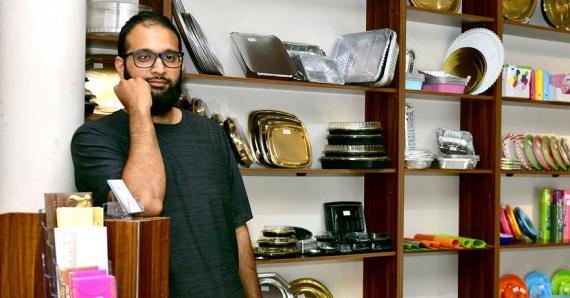 C'est entouré de sa famille que Jameel Rahemtoola gère MPAK.