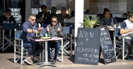 Devant l'ampleur de l'évolution de l'épidémie de Covid-19, avec une augmentation significative des taux d'incidence et de positivité, les communes d'Aix-en-Provence  et de Marseille ont ainsi été classées comme zones d'alerte maximale.