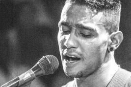 Après six jours en détention, le chanteur se prépare pour son concert le 20 octobre à l'IFM.