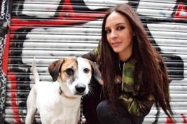 Mia a fait le tour de l'Europe avec sa maîtresse Sara Simonit.