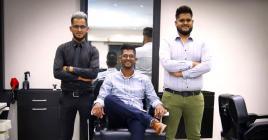 Les trois frères sont des vrais passionnés de la coiffure.