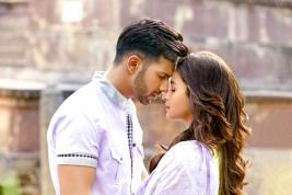 L'amour est au rendez-vous avec le couple Varun Dhawan et Alia Bhatt.