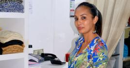 Priscilla Ouazana présente ses créations sur sa page Facebook, Elle M.