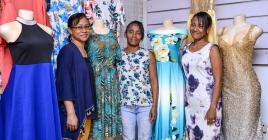 Estella, Chantal et Joanne dans leur boutique-atelier.
