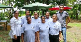 Les bénéficiaires de Bazart peuvent compter sur le soutien de Priscilla Vencatapillay, du chef Didier Rahiman et des autres membres de l'équipe.