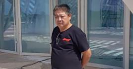 Le bâtiment se compose d'un Wedding Hall et abritera un casino, une salle de cinéma, des boutiques de luxe et des salles de jeux et de karaoké. Ci-contre, Ma Zhe Tian, ingénieur.
