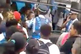 La vidéo de l'agression a été visionnée plus de 109 000 fois sur Facebook depuis lundi soir.