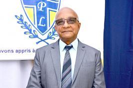Gérard Lafitte, manager du collège, veut rehausser le niveau académique du collège.