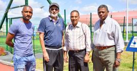 Colin Bell, Akbar Patel, Iswar Boolka, et Désiré L'Enclume : le quatuor chargé de renfiler la médaille d'or au cou de nos chers footballeurs.