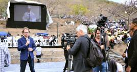 Plusieurs journalistes étrangers avaient fait le déplacement pour couvrir la visite papale.