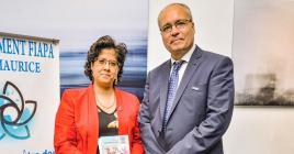 Le Dr Pascale Dinan, présidente de la fédération FIAPA, en compagnie  du Dr Francisco Tarazona, lors du lancement de la revue.