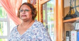 Saajidah Dauhoo, ancienne fonctionnaire, a repris la barre de SOS Poverty à la mort de son époux.