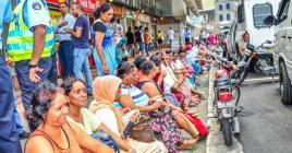 C'est devant les locaux du ministère du Travail que plusieurs employés de Texto Ltd ont fait un sit-in en signe de colère et de protestation.
