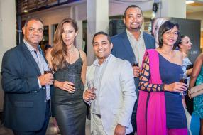 Norbert Jean, Manager, Christine Ternel, Skin Care/Make-up Specialist, Stephan Cupidon, Brand Development Manager, Christian Flore, Sales Activation Manager, et Sachitah Magisson, Sales Activation Manager, tous de BrandActiv.