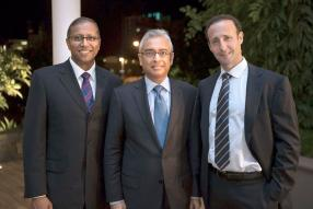 Pravind Jugnauth, ministre de la Technologie, de la Communication et de l'Innovation, et David Ossip, CEO de Ceridian Corporation.