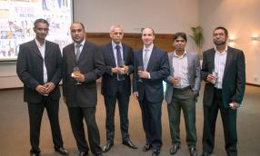 Ashis Shadu, Service Delivery Manager, Manish Ramguttee, Finance Manager, Khooshal Mussai, Finance Director, Stephen Scali, Independent Non-Executive Director, Ibrahim Suffee, IT Services Team Leader, et Yusuf Mohangee, IT Services Manager, tous de Ceridian.