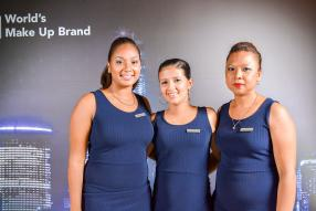 Marie Anna Chamtyoo, Kiosk Executive, Melissa Adam, Beauty Advisor, et Dorina Calice, Beauty Advisor, toutes de Maybelline.
