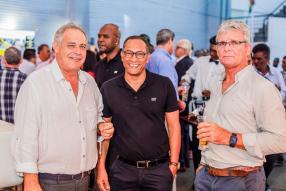Fabrizio Merlo, COO d'IBL Engineering, Vic Dwarka, Technical Manager chez Scomat, et Nicolas Pougnet, directeur général de BCE.