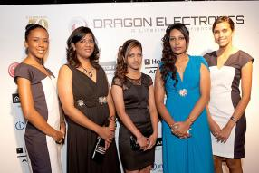 Christine Adolphe, Shop Manager chez Dragon Electronics à Curepipe, Jenna Raggoo, Rachelle Pursad, Shop Manager de Dragon Electronics à Rose-Hill.