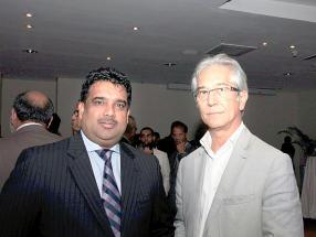 Bhooshan Ramloll, Managing Director de Bhooshan Ramloll Co. Ltd, et Gaëtan Siew, architecte chez Lam Po Tang & Siew Architects.