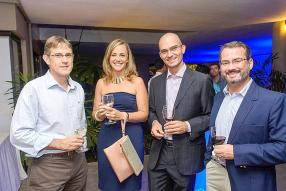 Denis Gallet, General Manager, de Grewals Mauritius Ltd, Karine Morel, Finance & Accounts Manager, Swan, Gael Aliphon, Individual Business Manager, Swan, et Sebastien Mallac, chargé de projet de Precigraph Ltd.