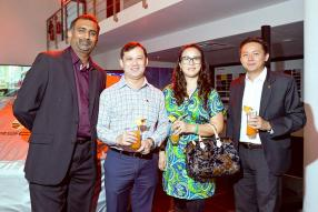 Nitish Gungabissoon, Senior Sales Manager d'ABC Motors, Jean Noel Lai et Florence Lai, directeurs de l'Amicale de Port-Louis, Kevin Kim Lim, Sales and Marketing Manager de Porsche Centre Mauritius.
