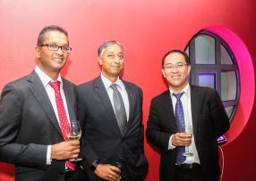 Ashish Ramyead, Partner, KPMG Mauritius, Mahesh Doorgakant, Managing Director, Apex Fund Services (Mauritius) Ltd,et John Chung, Managing Partner, KPMG Mauritius.