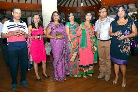Cheman Baguant, Mildred Philo, Vassanee Seetohul, Navinee Doobaree, Yogeeta Tasneem Karamuth, Ashvin Sookenram et Violetta Lagaillarde-Naidoo, tous employés du SICOM Group.
