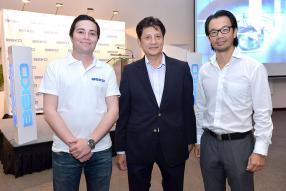 Erman Güher, Jean Pierre Li Sung Sang de Cash & Carry, et Clovis Wong.