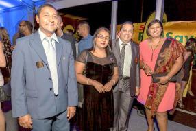 Krishen Veerapen-Chetty, Vanisha Joganah,  gérante de la station-service Shell à Lataniers, Roche-Bois, Ashvin Ramdenee, Marine and Aviation Manager chez Vivo Energy Mauritius, et Alvina Rughoobuth, également gérante de la  station-service Shell à Lataniers.