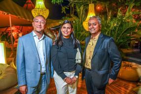 Jean Pierre Lim Kong, CEO d'Innodis, Veronique Boutin,  contrôleur de gestion et finance du Pôle Immobilier, et Sanjay Molaye, consultant financier, tous deux du groupe Trimetys.