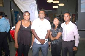 Claudine et Vincent Satinaden, Plant Administrator chez Gamma Construction, Nalini Boodhoo, Environmental Manager chez CRSE/Eco Fuel Ltd, et Rakesh Boodhoo, IT Manager chez LCTM.