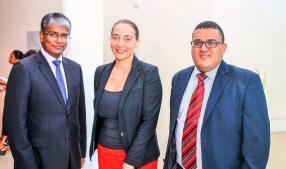 Lakshman Bheenick, Chief Executive Officer de la Standard Bank, Marcelle Fouche, Partner, KPMG Mauritius, et Wayne Pretorius, Partner, KPMG Mauritius.