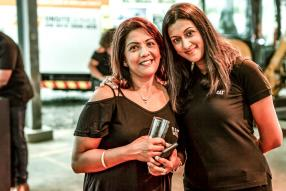 Kavita Mewasingh, Sales & Administrative Supervisor, et Jenny Cupidon, Marketing Coordinator, toutes deux de Scomat Ltée.