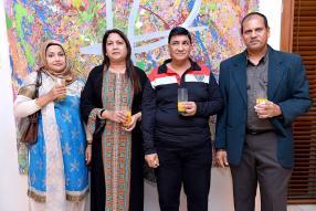 Nasser et Amena Phutully de Nush Trading aux côtés du couple Azaz et Razia Boolaky de Boolaky Trading.
