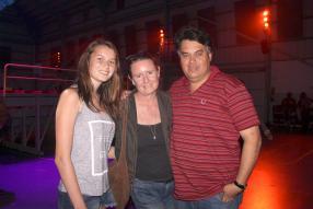 Angeline, Deborah et Clifford Dove.