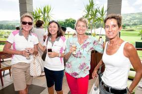 Martine Duclerc, Josiane Bax, Elisabeth Dalais, des participantes, et Nathalie Serret, présidente de la Ladies Golf Union.