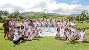 Les participantes du tournoi 2014 posent pour une photo souvenir.