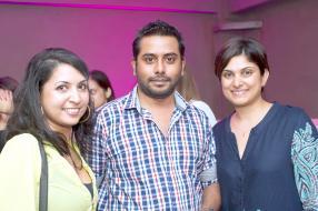 Vandina Chakowa, Ritesh Hassamal et Deepa Tulsidas.